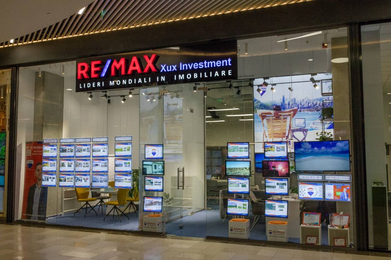 Logo - RE/MAX Xux Investment