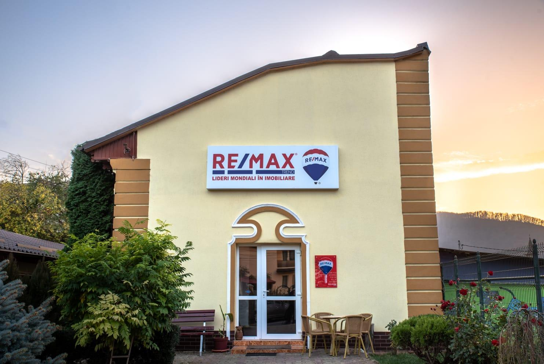Logo - RE/MAX Trend