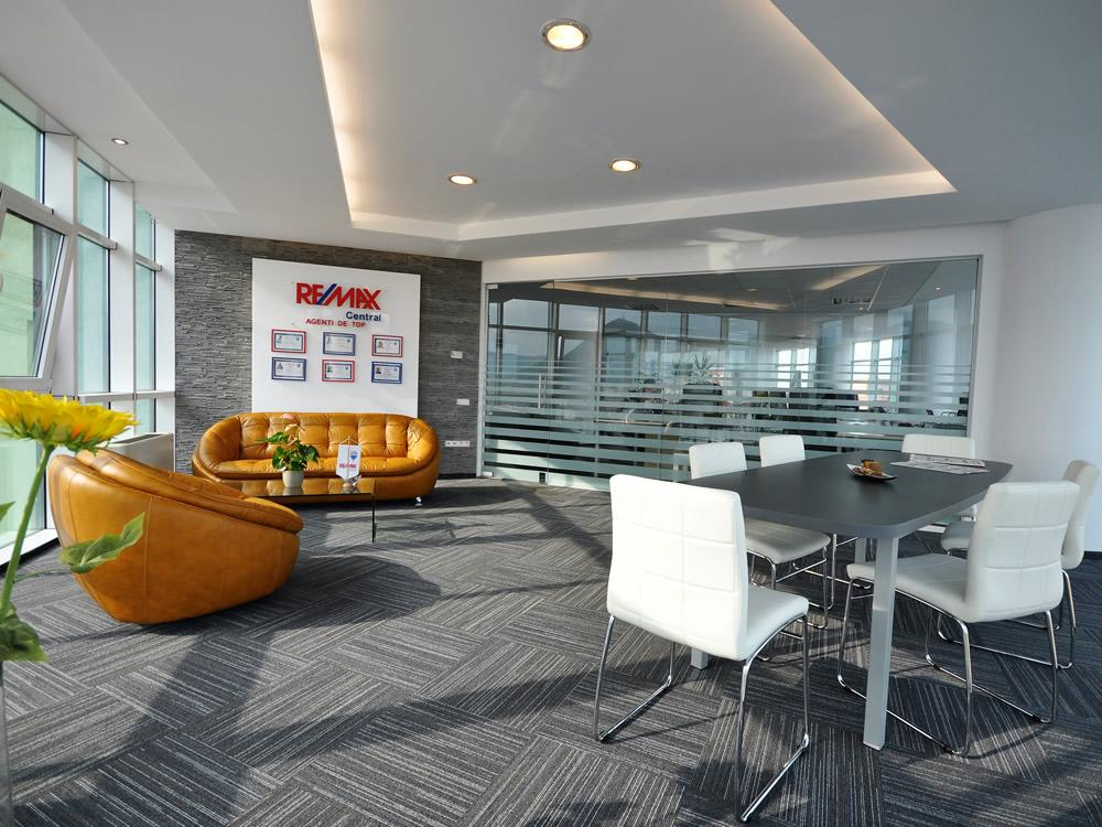 Logo - RE/MAX Central